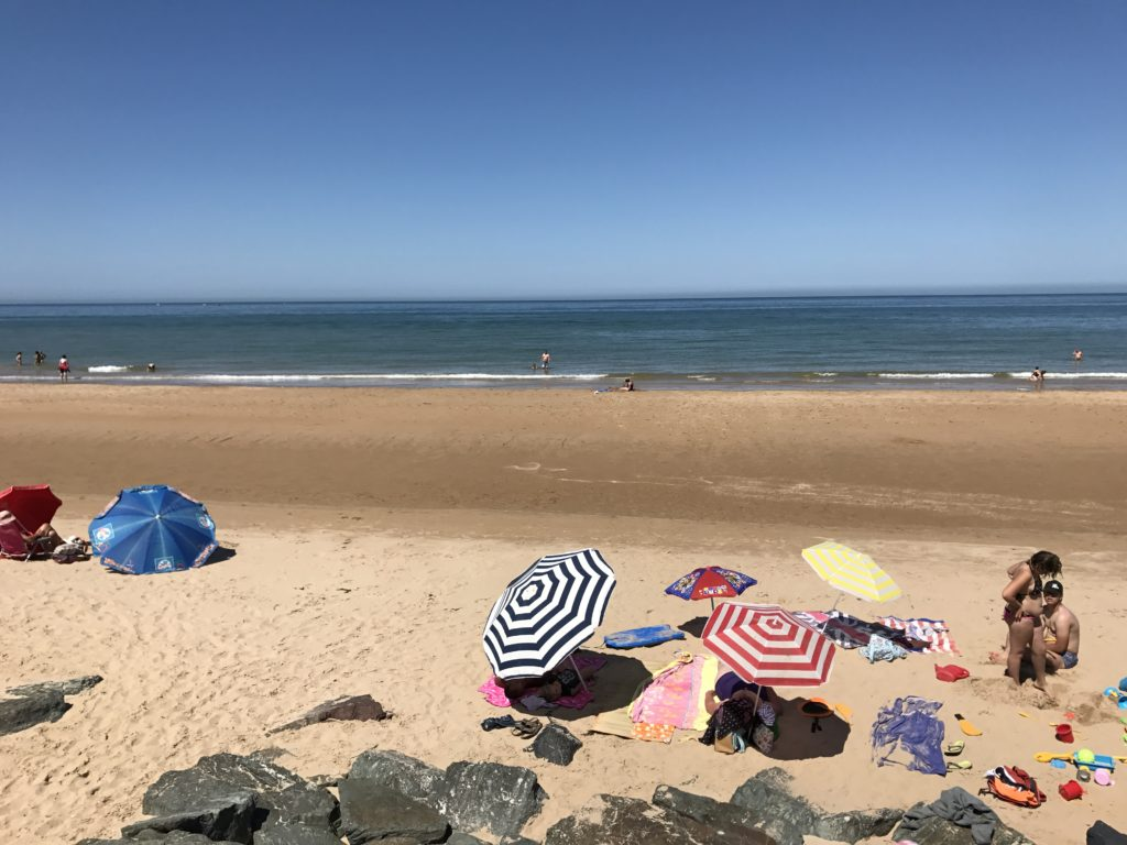 D-Day tour from Bayeux: beach with sunbathers