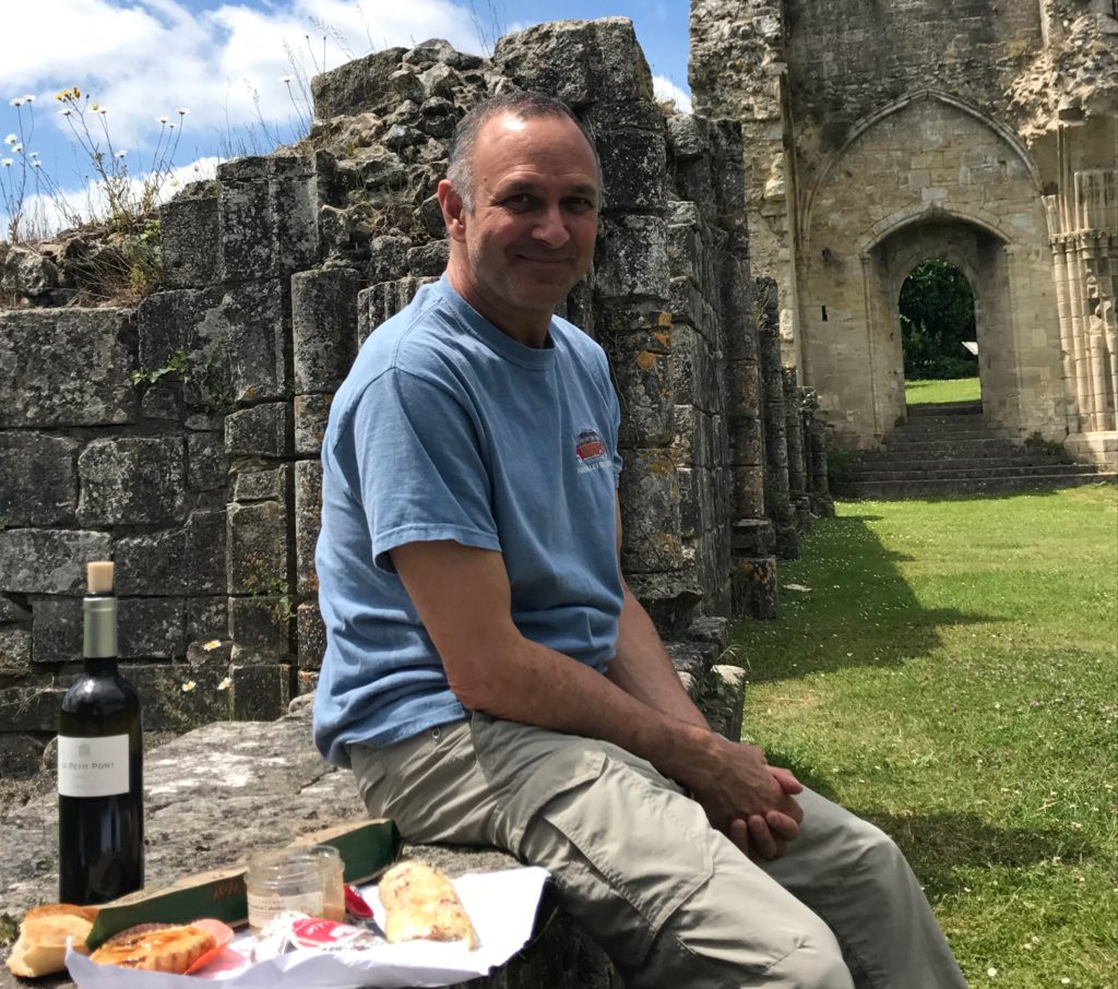 Picnicing in front of the abby ruins