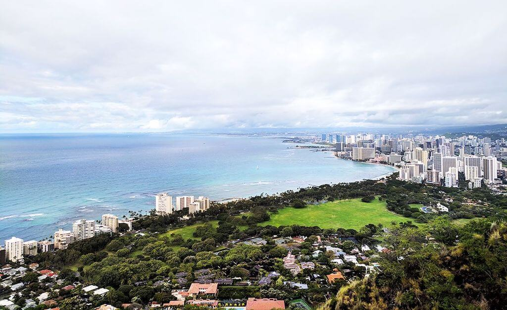 hiking-in-hawai-diamond-head-oahui