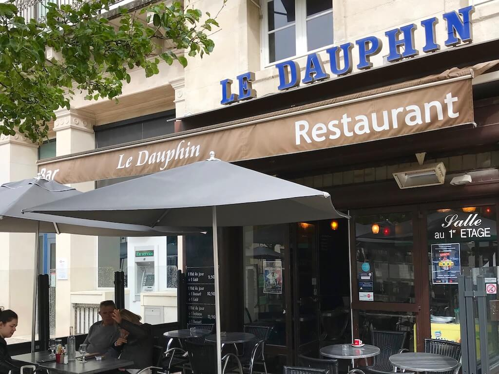 Le Dauphin Bar/cafe