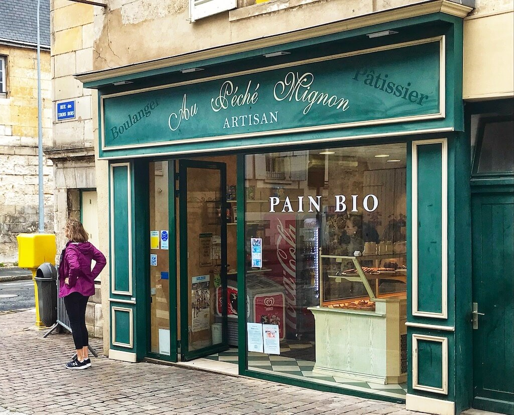 green store front of a Poitiers boulangerie