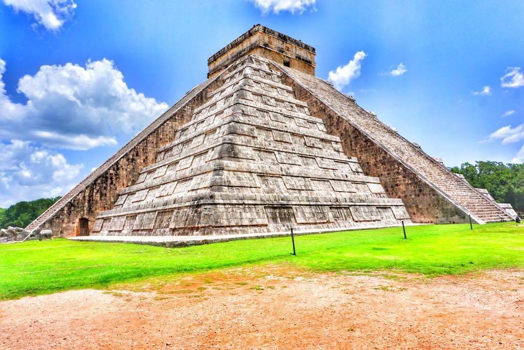 Chicen Itza Pyramid