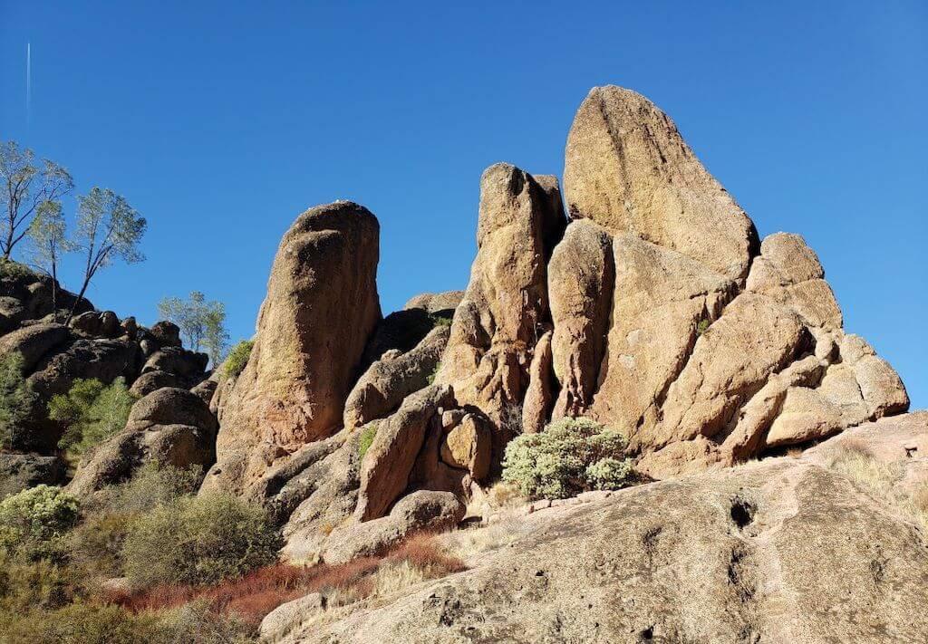 boulders at Pinnacles National park