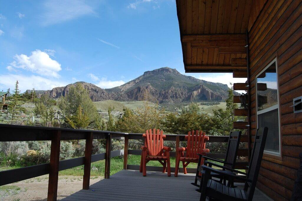 lanai with mountain view
