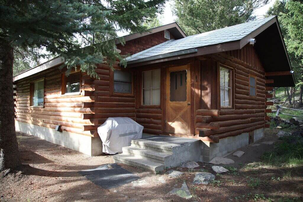 cabin outside view