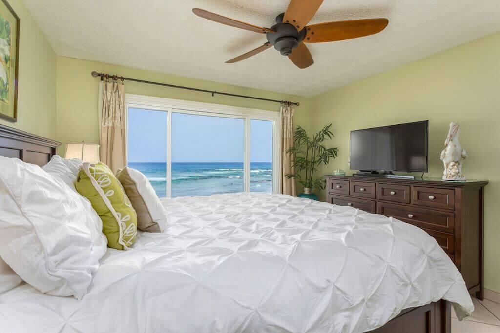 bedroom interior vith ocean view